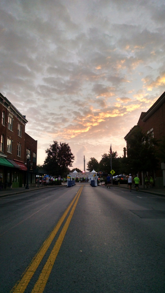 A beautiful sunrise at the over the square at the start of the race
